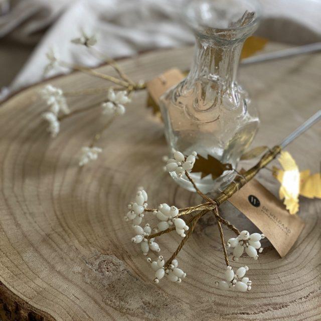 These flowers 🥰   #flower #homedeco #homedecoration #neutralhome #neutraldecor #natuurlijkematerialen #hyggehome #witwonen #bohemianhome #modernboho #nordicminimalism #puurwonen #purestyle #puur #beachstyle #interieurinspiratie #interieurforall #wonen #interieurdeco #interieurtips #interieurstyling #webshop #moonflowerstore #fijnwonen