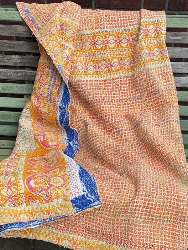 Delfts blue orange quilt