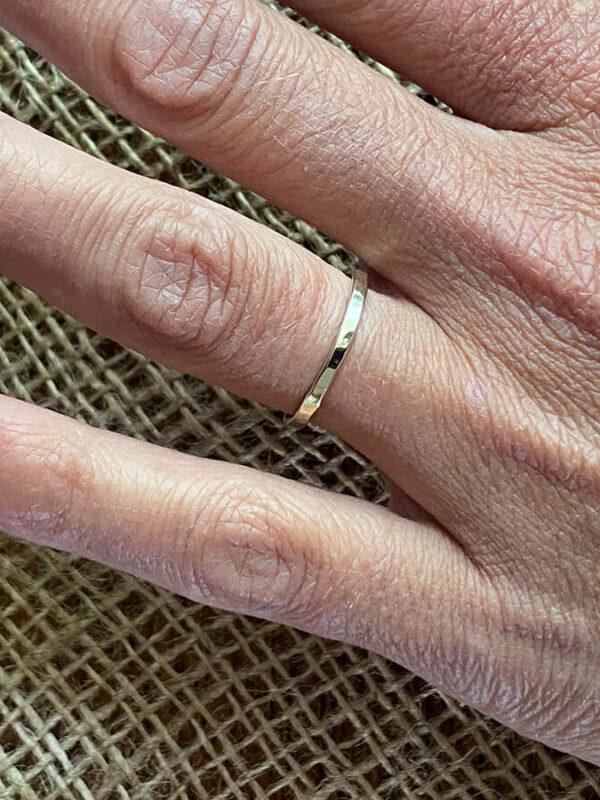 Hamerslag Ring 14 K Goud