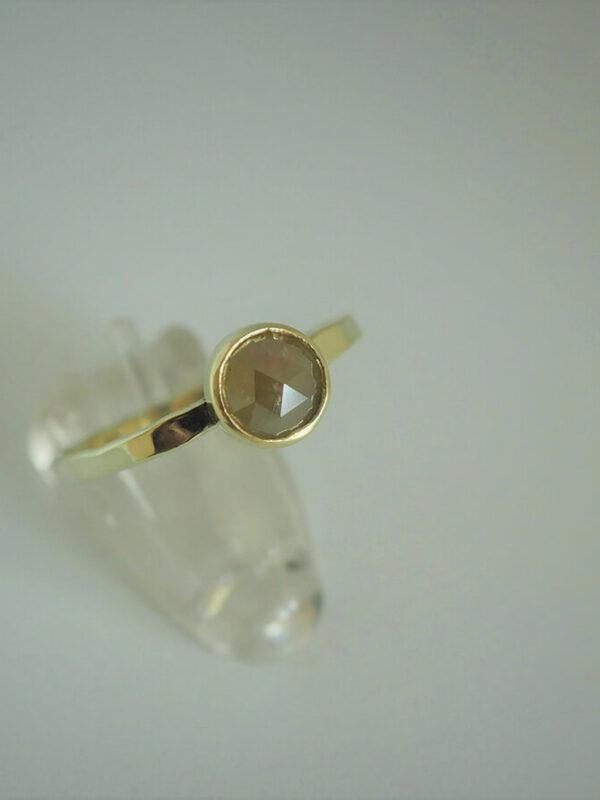 Ring met Rose Cut Diamant